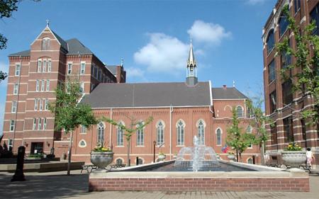 Duquesne University拷貝