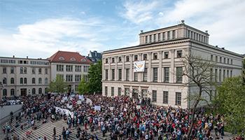 Uni Halle-3