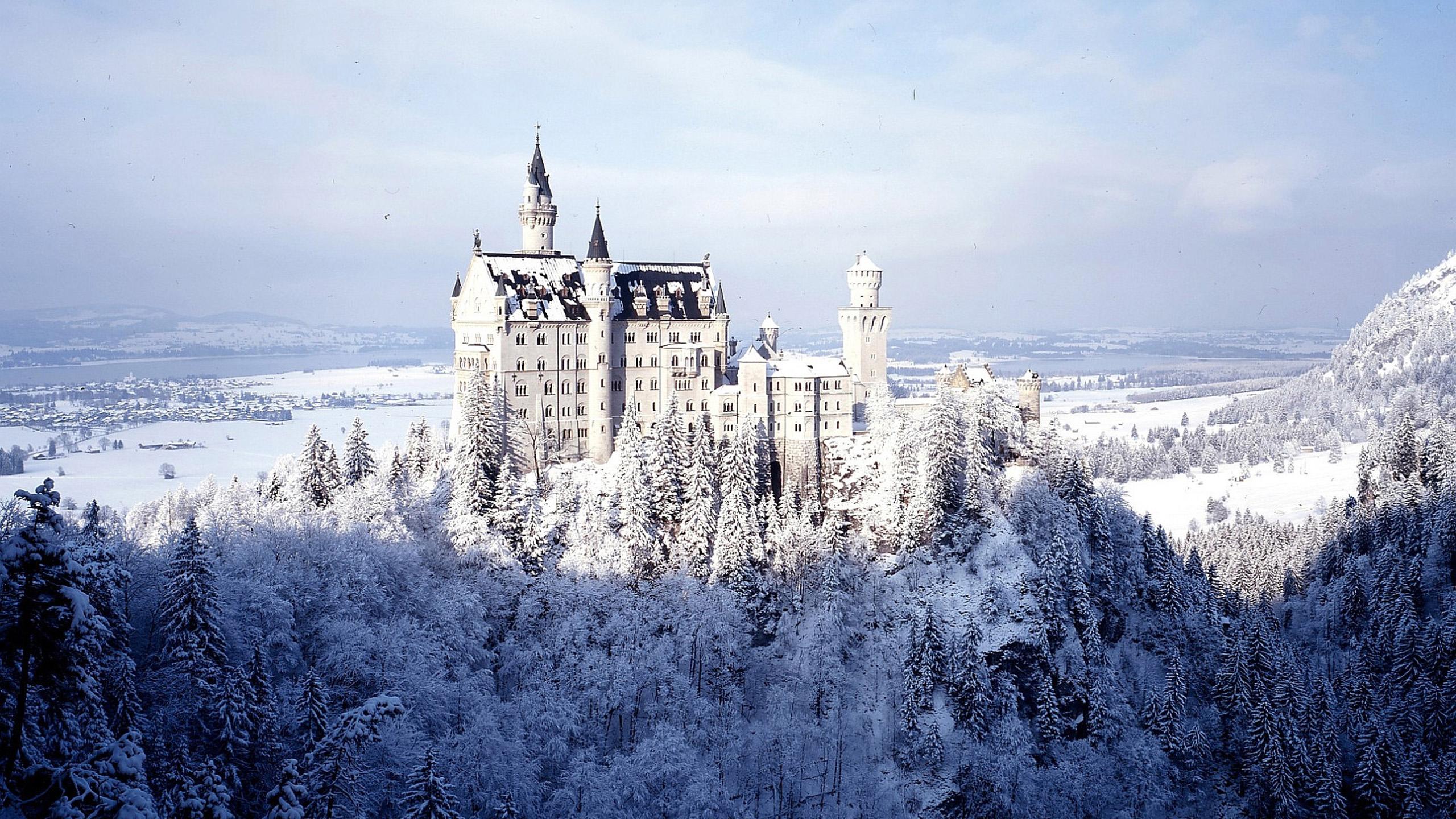 The white Neuschwanstein Castle