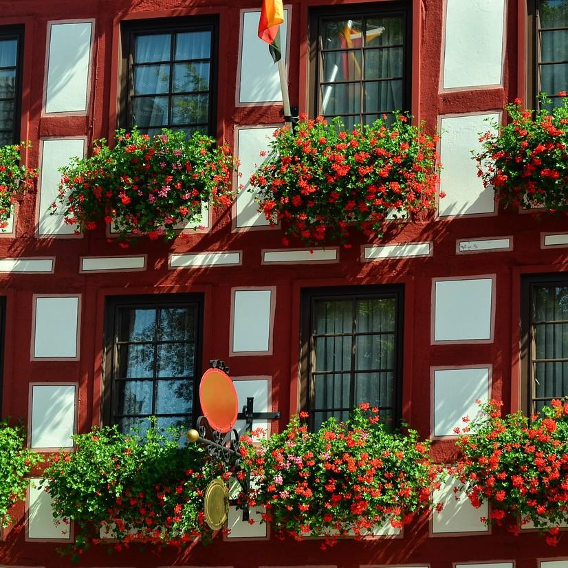 fachwerkhaus-1572815_1280