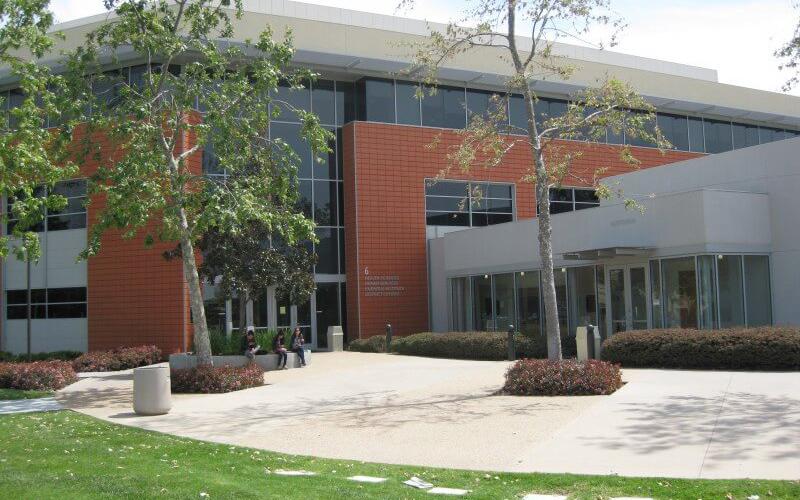 FLS Saddleback College4拷貝