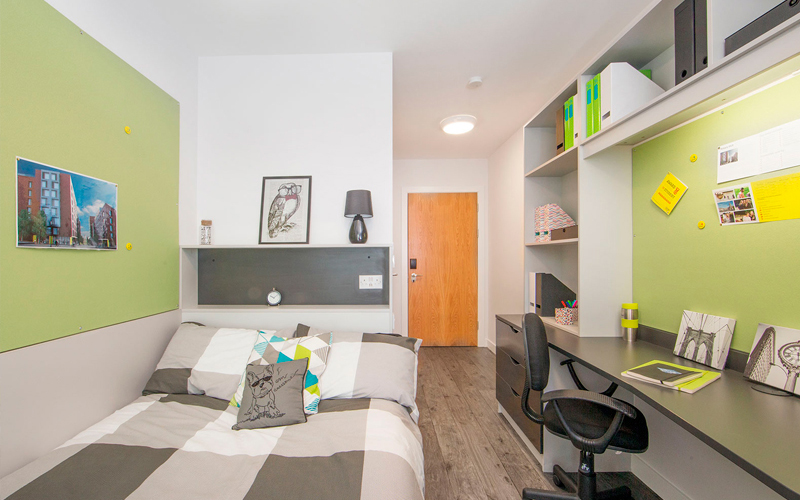 Located just a fifteen-minute walk from the bustling heart of Dublin, Binary Hub is a purpose-built accommodation that hosts students from many of Dublin's colleges and universities, along with other English language schools. Every room has a double bed, is ensuite, and has plenty of storage space. There's an onsite team present 24 hours a day ready to help you with any queries you have about your room or Dublin city. There is also a gym open from 6am to midnight.  The world famous Guinness Storehouse is only five minutes away, the Irish Museum of Modern Art – or IMMA – and the Smithfield area is just across the river. In Smithfield, you'll find lots of little cafés, restaurants, and bars. There's also the Lighthouse Cinema that shows everything form the latest blockbusters to small indie films, something to suit every taste!